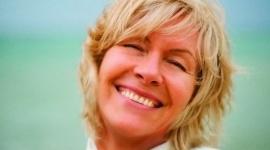 """Życie jest sztuką, a szczęście wyborem Psychologia, LIFESTYLE - To motyw przewodni spotkania o edukacji emocjonalnej, które w sobotę 26 listopada poprowadzi ceniona coach Ewa Foley. Słynąca z propagowania inteligencji emocjonalnej ekspertka światowej klasy poprowadzi w Bielsku-Białej warsztat """"Emocje – twój wróg, czy przyjaciel?"""""""
