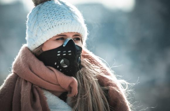 Dzień Czystego Powietrza. Czy mamy powody do świętowania? Problemy społeczne, BIZNES - 14 listopada obchodzimy Dzień Czystego Powietrza. Mimo niedawno rozpoczętego sezonu grzewczego w wielu polskich miastach już odnotowano istotne przekroczenia norm dla pyłów zawieszonych w powietrzu.