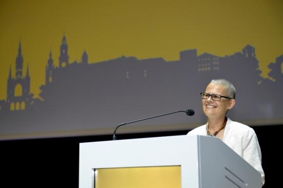 Blisko 1 100 psychoterapeutów EMDR obradowało w Krakowie Psychologia, LIFESTYLE - Od piątku do niedzieli w Krakowie prawie 1 100 specjalistów i praktyków EMDR z 60 krajów szkoliło się i wymieniało doświadczeniami w ramach 20. konferencji EMDR Europe Workshop Conference. To pierwsze spotkanie na taką skalę w kalendarium polskiej psychoterapii ostatnich lat!