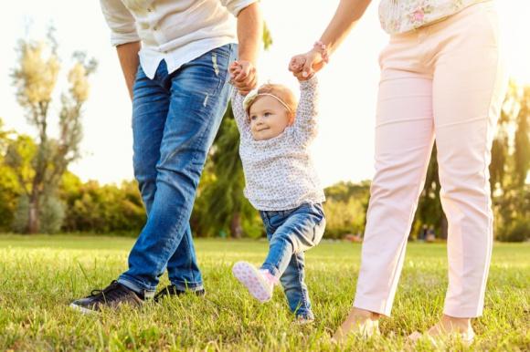 Nowy TREND w rodzicielstwie – zaskakujące wyniki badań! Psychologia, LIFESTYLE - Pod szyldem marki Bebilon 2 razem z wybitnym ekspertem w dziedzinie psychologii dziecięcej dr Aleksandrą Piotrowską powstał wyjątkowy, jedyny taki projekt przestawiający obraz współczesnego rodzicielstwa i podejścia rodziców do wychowywania dzieci.