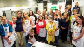 """""""Pomaganie przez gotowanie"""", czyli nauka samodzielności Problemy społeczne, BIZNES - W Poznaniu odbyły się warsztaty kulinarne dla wychowanków domów dziecka"""