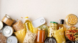 """Ostatnie dni Świątecznej Zbiórki Żywności w Tesco Problemy społeczne, BIZNES - Do 28 listopada klienci sklepów Tesco mogą dołączać do zbiórki żywności pod hasłem """"Święta godne, a nie głodne"""". To inicjatywa Banków Żywności, umożliwiająca Polakom włączenie się w pomoc osobom w trudnej sytuacji życiowej."""